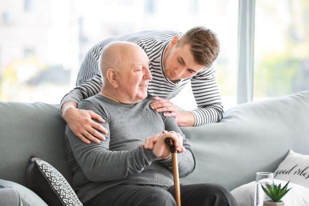 Quotidien des aidants : Un baromètre sur leurs habitudes et leur profil