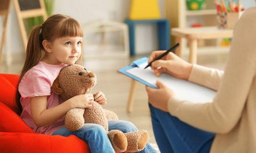 Autisme : l'arrêté qui va en finir avec la psychanalyse?